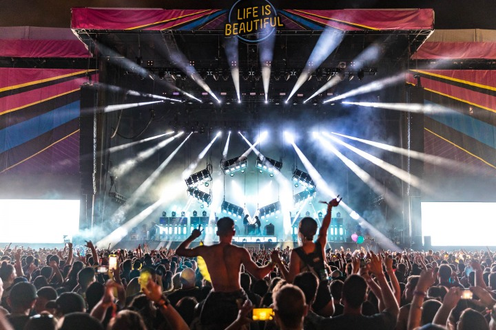 AGP Favorite, EDM, Justice, Life Is Beautiful, Music