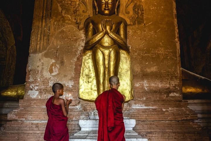 Asia, Bagan, Buddhists, Burma, Monk, Myanmar, Old Bagan, Pagoda, Temple, Travel